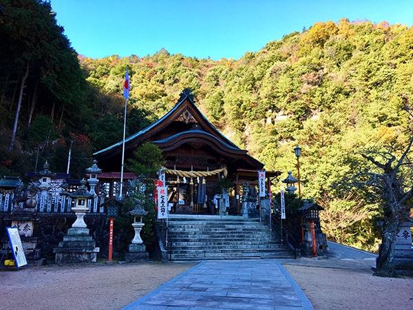 大頭神社拝殿