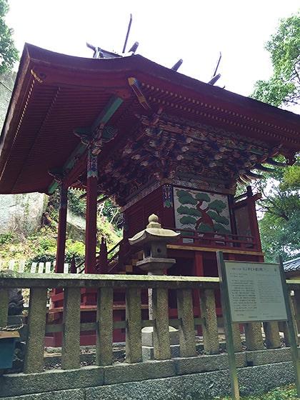 岩上神社本殿